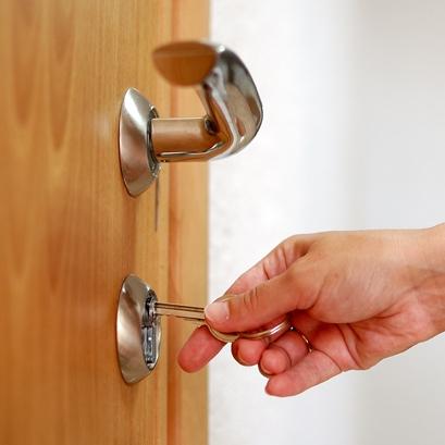Awaryjne otwieranie zamków drzwi w Gdyni